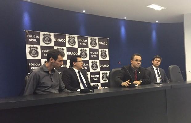 Resultado da operação foi divulgado por delegado em coletiva de imprensa (Foto: Murillo Velasco/G1)