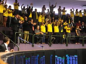 Manifestantes nas galerias da Câmara durante a votação de projeto que facilita a criação de novos municípios (Foto: Gustavo Lima / Agência Câmara)