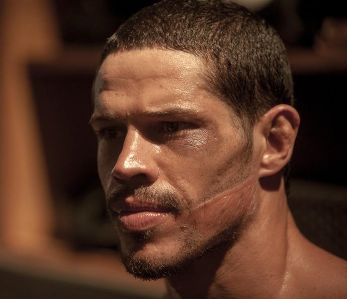 José Loreto em cena do filme 'Mais forte que o mundo' (Foto: Divulgação)