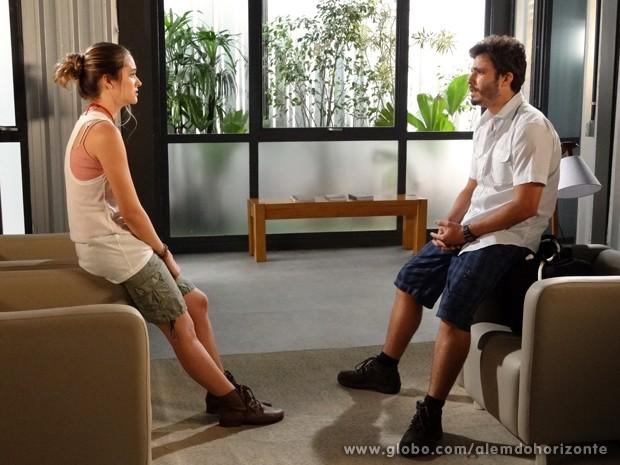Lili não quer deixar a Comunidade antes de se acertar com LC (Foto: Além do Horizonte/TV Globo)