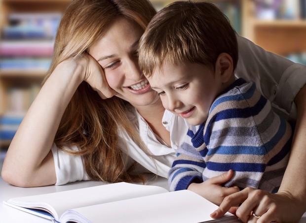 Estimular o contato entre a criança e os livros é superimportante (Foto: Thinkstock)