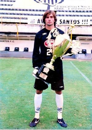 Angelo atuou nas categorias de base do Santos no começo dos anos 2000 (Foto: Angelo Berger/Arquivo Pessoal)