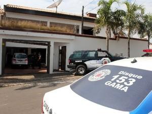 Rastreador ajuda Guarda a estourar desmanche de carros em Americana (Foto: Patrulheiro Evangelista / Guarda de Americana)