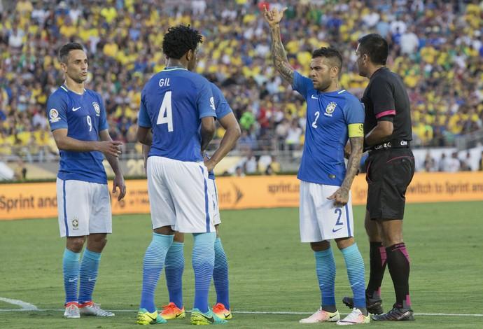 DanielAlves, Brasil x Equador, Copa América (Foto: EFE)