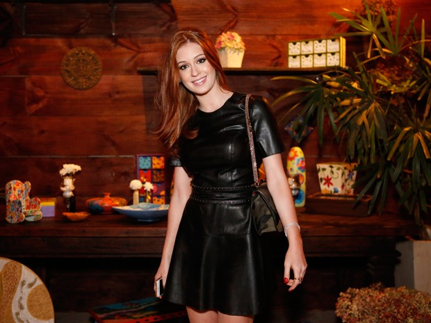 Marina Ruy Barbosa encanta com vestido preto de couro (Foto: Ellen Soares / Gshow)