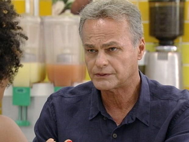 Nelson diz à Aparecida que vai entregar  Moisés a polícia (Foto: Malhação / Tv Globo)