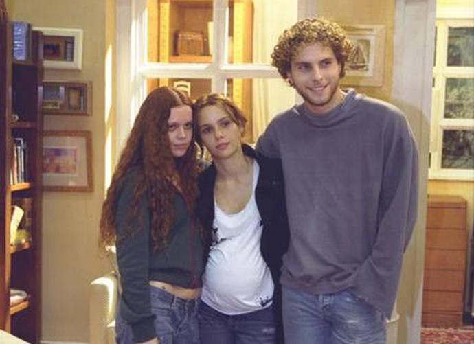 Viviane Victorette na época de 'O Clone' ao lado de Débora Falabella e Thiago Fragoso (Foto: Arquivo Pessoal)