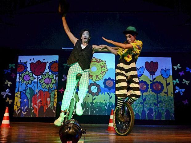 Apresentação serão no Teatro Barracão, na Praça da Bíblia em Foz (Foto: Prefeitura de Foz do Iguaçu/ Divulgação)