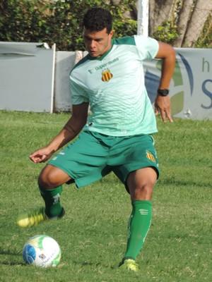 Atacante Geraldo iniciou treinos nesta semana (Foto: Sampaio/Divulgação)