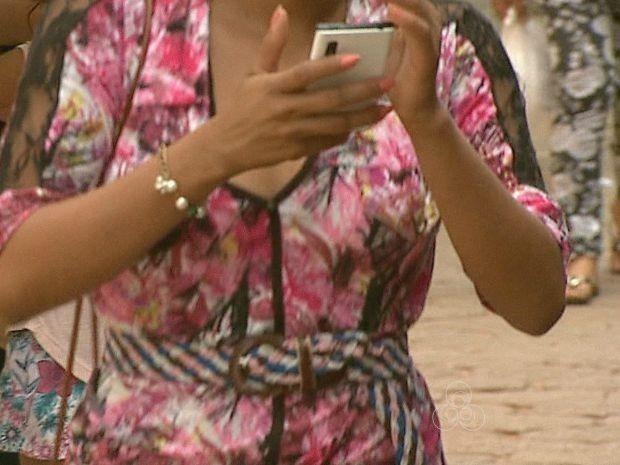 Mais de 800 celulares foram furtados e roubados na capital até agosto de 2015 (Foto: Reprodução/Rede Amazônica Acre)