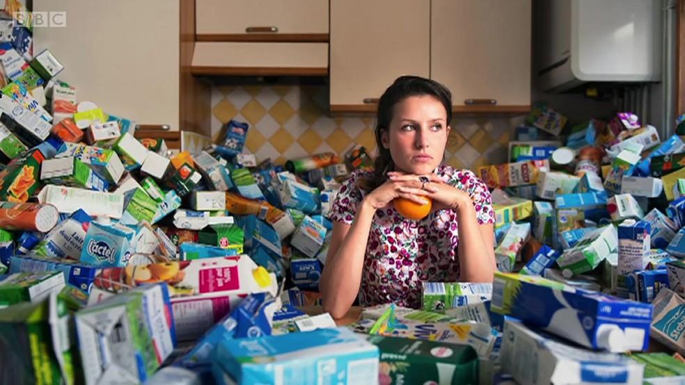 Foram 1,6 mil caixas de leite juntadas por Repesse (Foto: Antoine Repesse/BBC)
