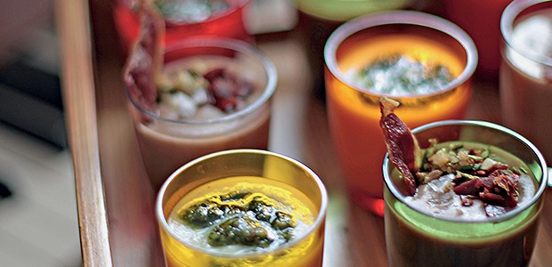 Creme de pupunha com pesto de salsa (Foto: Rogério Voltan/Editora Globo)