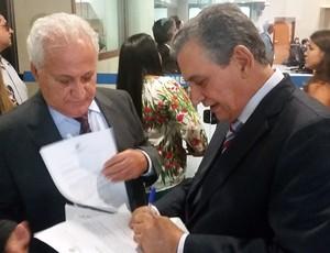 Deputados Theodorico Ferraço e Enivaldo dos Anjos (Foto: Sidney Magno Novo/GloboEsporte.com)