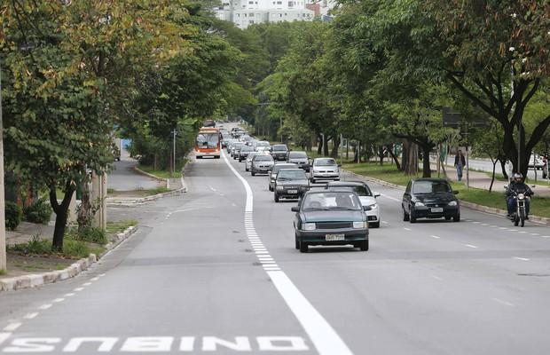 Avenida Sumaré, na Zona Oeste (Foto: Rivaldo Gomes/Folhapress)