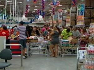 De Olho nas Compras: Especialista dá dicas para compras de fim de ano (Foto: Reprodução/ Tv Diário)