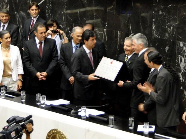 Ex-presidente Luiz Inácio Lula da Silva recebe prêmio de cidadão honorário de Minas Gerais  (Foto: Raquel Freitas / G1)