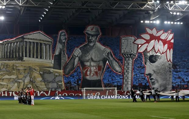 """BLOG: Torcedores do Olympiakos """"levam"""" acrópole para jogo da Liga dos Campeões"""