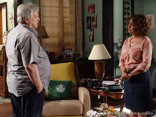 Denizard quer reatar o casamento, mas se dá mal (Foto: Amor à Vida/ TV Globo)