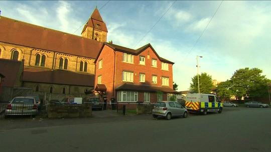 Reino Unido prende mais 2 suspeitos de ligação com ataque em Manchester