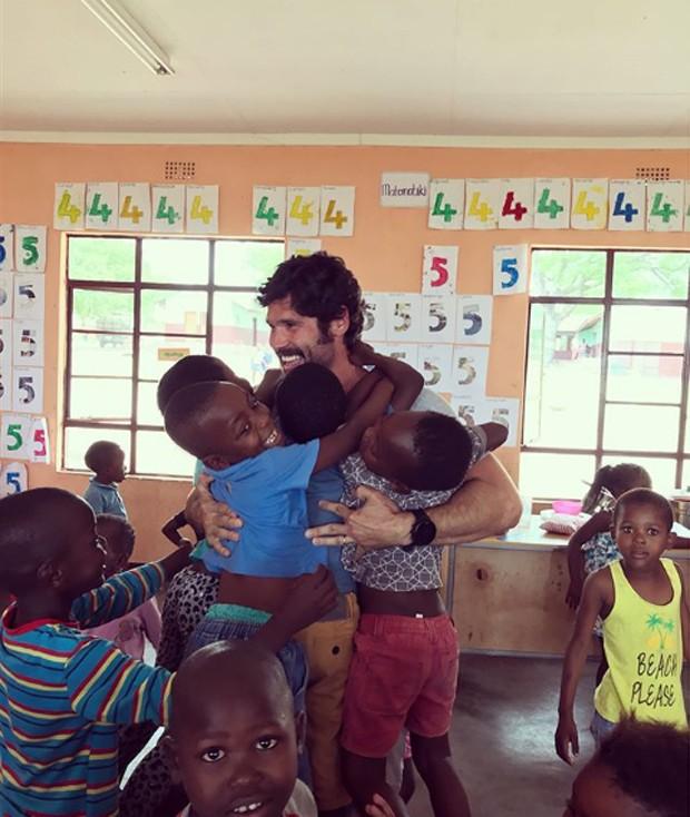 Dudu Azevedo em viagem à África (Foto: Reprodução/Instagram)