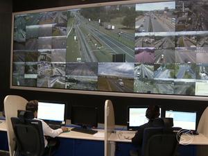 45 câmeras monitoram a Via Dutra (Foto: Reprodução/ TV Rio Sul)