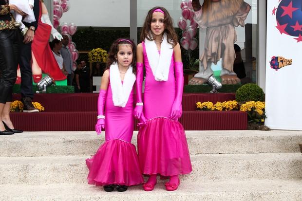 Maria e Clara, filhas de Rodrigo Faro (Foto: Marcos Ribas e Manuela Scarpa / Foto Rio News)