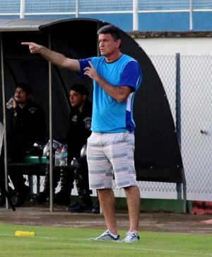 Flaviano Quintela, o Papelim, técnico da Amax (Foto: João Paulo Maia)