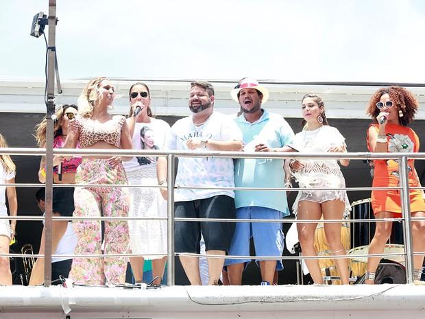 Ivete canta com convidados no Arrastão desta Quarta de Cinzas (Foto: Mauro Zaniboni /Ag Haack)