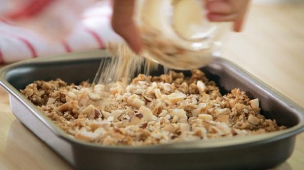 Bela Cozinha - Ep. 11 - Marmitas - Granola com frutas (Foto: Reproduo / GNT)