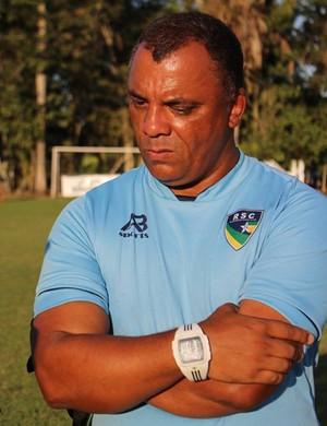 Técnico do Rondoniense, Da Rocha (Foto: Jheniffer Núbia/GloboEsporte.com)