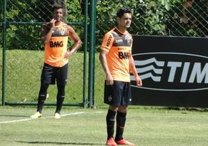 Josué treino Atlético-MG (Foto: Léo Simonini)