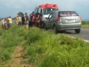 Motrorista freou para tentar evitar acidente, mas segundo testemunhas, freio apresentou defeito (Foto: Edivaldo Braga/Blog Braga)