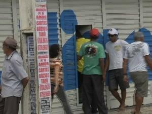 assalto a loja no cnetro da cidade (Foto: TV Verdes Mares/Reprodução)