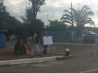 Parentes de PMs tentam impedir saída de agentes do batalhão em Macaé; policiamento é normal