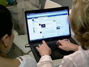 Comércio eletrônico  (Foto: GloboNews)