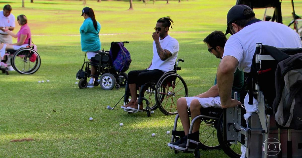 Resultado de imagem para http://g1.globo.com/jornal-nacional/noticia/2017/04/clube-do-sp-e-pioneiro-de-golfe-para-pessoas-com-deficiencia-no-brasil.html