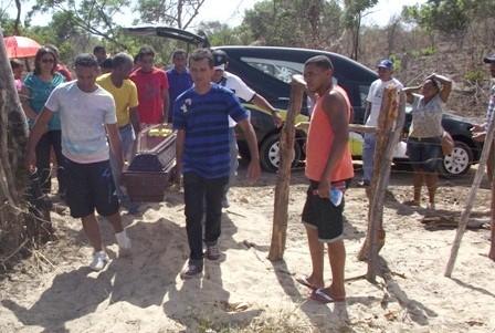 Enterro Edson Piauí (Foto: Portal Piauí Notícias)