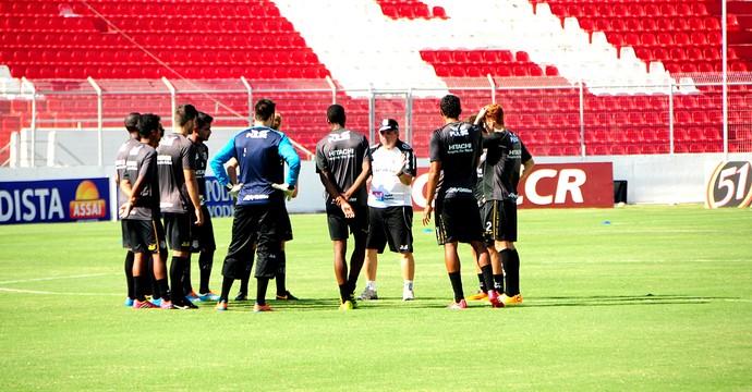 Treino Ponte Preta (Foto: Raul Pereira/ GloboEsporte.com)