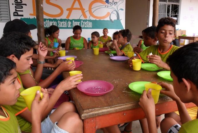 Segundo Odete, alimentação é adquirida em doações arrecadas em corridas municipais. (Foto: Odete Aquino)