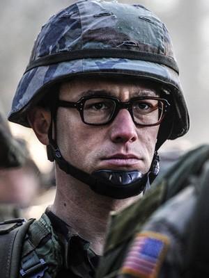 Joseph Gordon-Levitt em 'Snowden - Herói ou Traidor' (Foto: Divulgação)