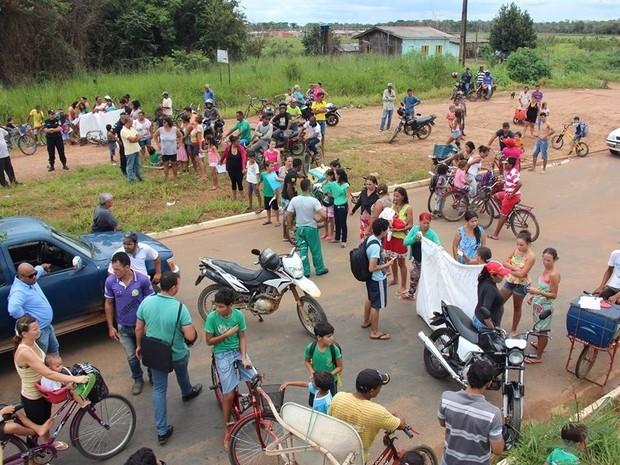 Vilhena protesto (Foto: Nataly Labajos/Folha de Vilhena)