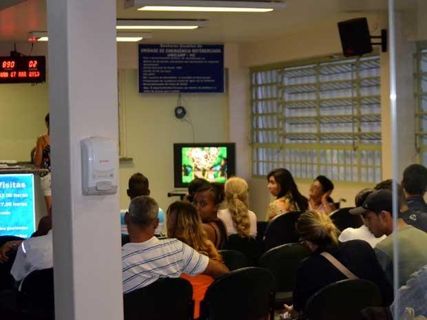 Com operação 70% acima do limite, Hospital das Clínicas da Unicamp alerta sobre emergência lotada (Foto: Fernando Pacífico / G1 Campinas)