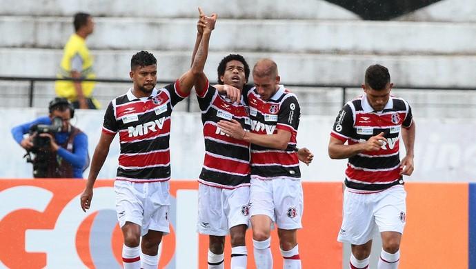 Keno Santa Cruz (Foto: Aldo Carneiro/ Pernambuco Press)