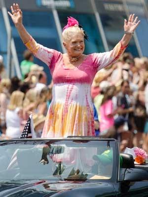 Lynn Anderson, em desfile em Nashville, Tennessee, em junho de 2011 (Foto: Arquivo / Charles Sykes / AP Photo)