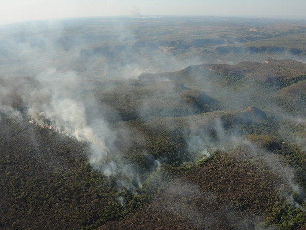 Fumaça do fogo na serra deixa várias áreas de Palmas encobertas (Foto: Valério Zelaya/Secom)