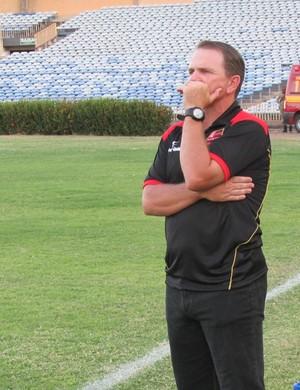 PC Schardong, treinador do Flamengo-PI (Foto: Abdias Bideh/GloboEsporte.com)