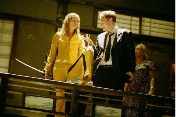 Quentin Terantino dirige Uma Thurman nas filmagens de 'Kill Bill' (Foto: Divulgação)