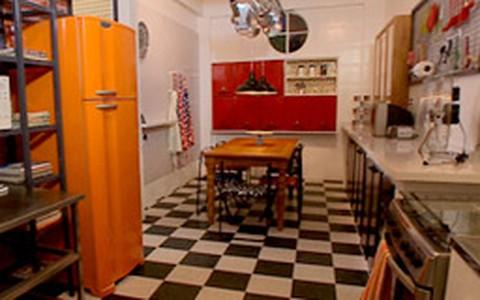Cozinha de confeiteira: assista ao antes e depois do 'Decora'