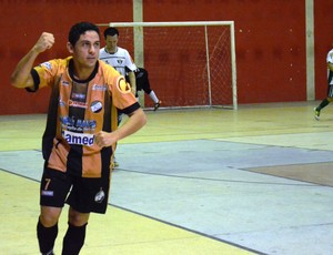 Izavan fez o gol do título do Real Moitense (Foto: Felipe Martins/GLOBOESPORTE.COM)