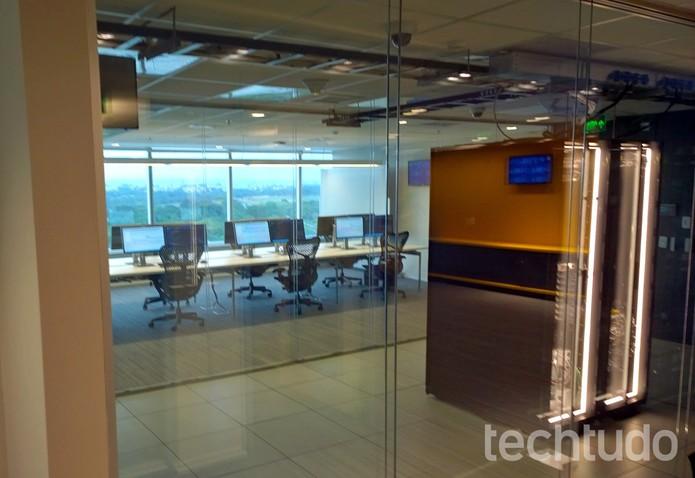 Vista para a sala de segurança máxima da Central de Transparência (Foto: Fabrício Vitorino / TechTudo)